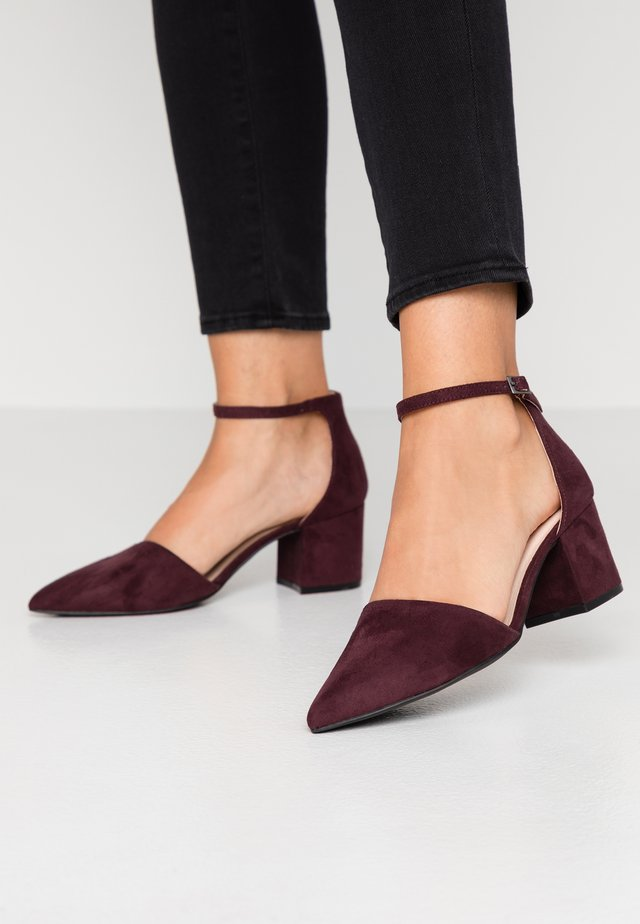 WIDE FIT BIADIVIDED - Classic heels - burgundy