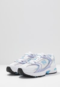 New Balance - MR530 - Joggesko - white/purple/light blue - 2