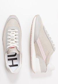 HUGO - AMY LACE UP - Tenisky - pastel grey - 3