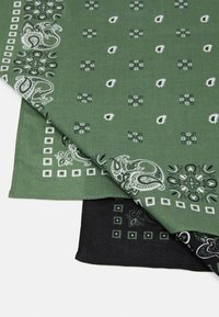 Pier One - BANDANA 2 PACK - Skjerf - black/olive - 2