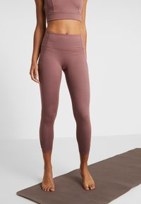 Free People - YOURE A PEACH - Leggings - chocolate - 0