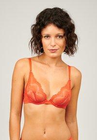 Girls in Paris - KATE - Underwired bra - red - 0