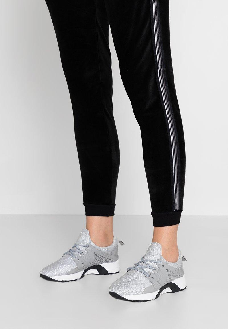Hot Soles - Sneakers - grey
