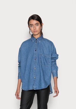 KENDRA RELAXED - Button-down blouse - medium blue denim