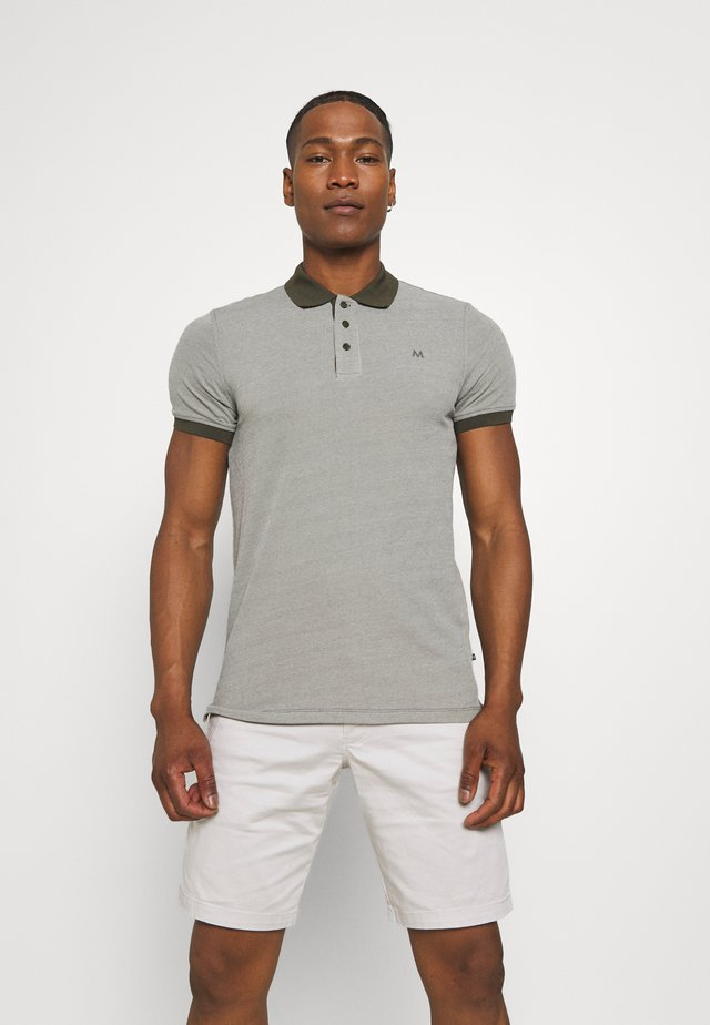 MAPOLEO TECH - Polo - olive night
