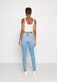 ONLY - ONLANNE LIFE MID SKINNY  - Jeans Skinny Fit - light blue denim - 2