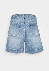 MICHAEL Michael Kors - PLEATED BELTED - Denim shorts - blue denim - 1