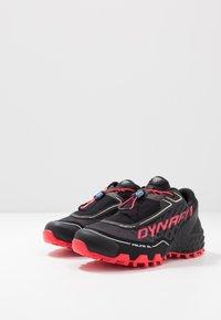 Dynafit - FELINE SL - Obuwie do biegania Szlak - black/fluo pink - 2