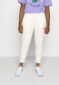 Nike Sportswear - PANT  - Träningsbyxor - coconut milk - 0