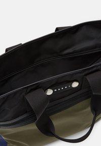 Marni - Shopping bag - black/ultramarine/forest green - 4