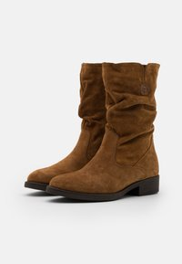 Tamaris - BOOTS - Vysoká obuv - cognac - 2