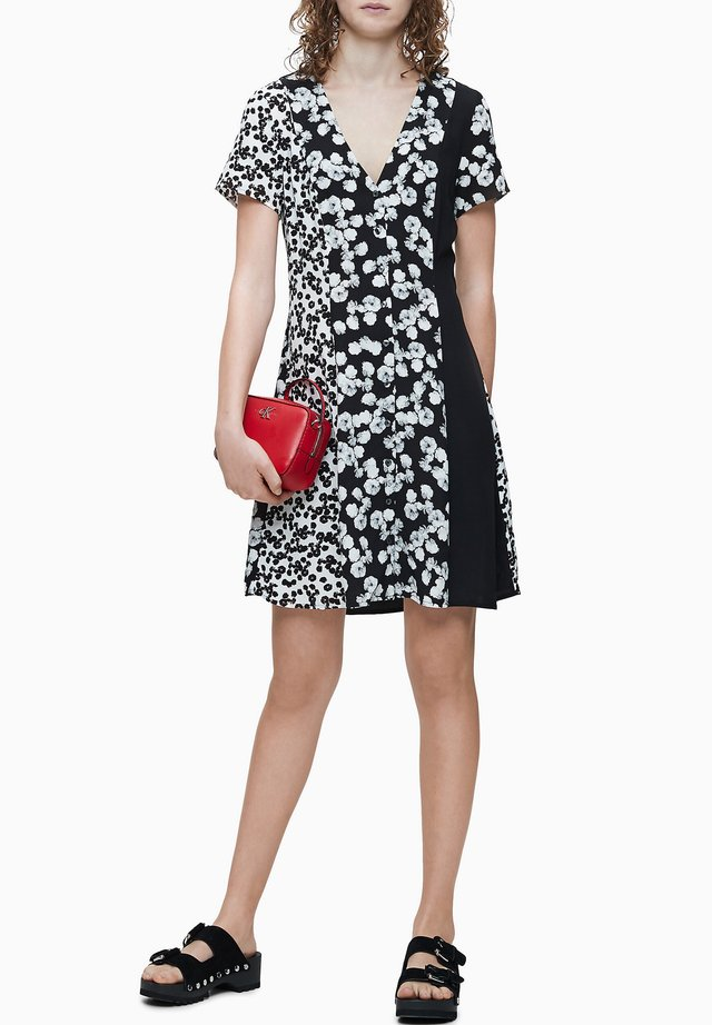 Day dress - black with white peony floral