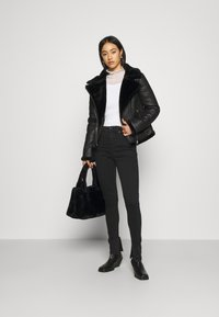 Missguided - AVIATOR - Faux leather jacket - black - 1