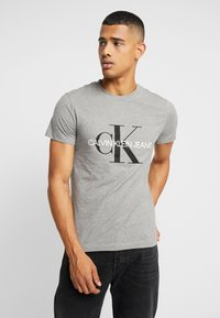 Calvin Klein Jeans - ICONIC MONOGRAM SLIM TEE - Triko s potiskem - heather grey - 0