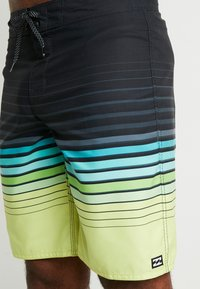 Billabong - ALL DAY STRIPE  - Swimming shorts - lime - 3