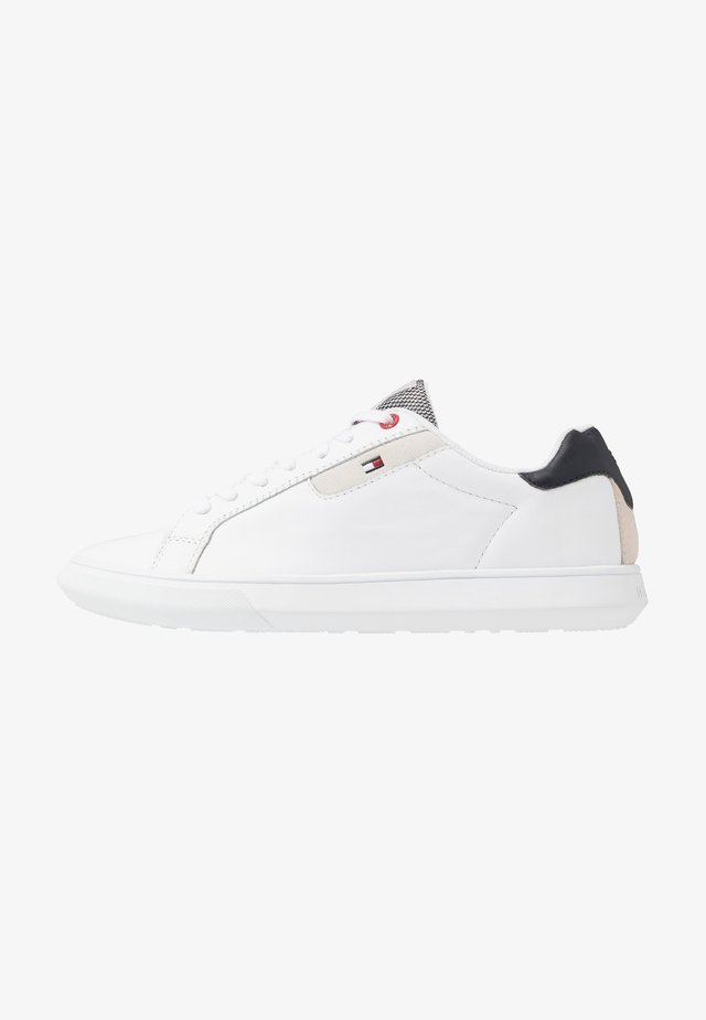 ESSENTIAL CUPSOLE - Sneakers basse - white