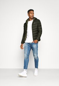 Jack & Jones - JJVINCENT PUFFER HOOD - Winterjas - rosin - 1