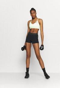 Nike Performance - INDY BRA - Sujetadores deportivos con sujeción ligera - barely volt/black - 1