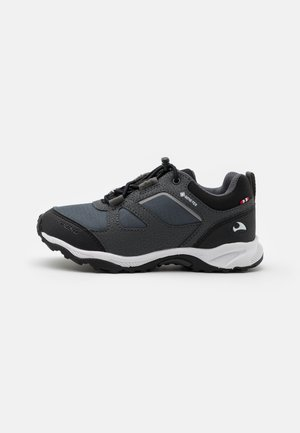 NATOR GTX UNISEX - Trainers - black