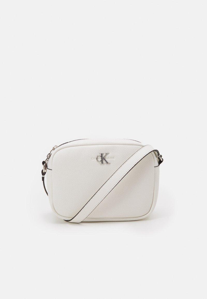 Calvin Klein Jeans - DOUBLE ZIP CROSSBODY - Torba na ramię - white