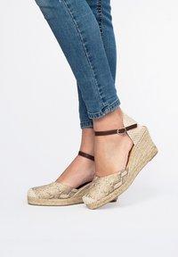 Maria Barcelo - Platform sandals - 917 - 3