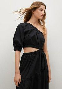 Mango - MIT SCHLITZ - Day dress - schwarz - 2