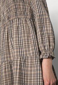 Cream - ULLA DRESS - Day dress - truffet check - 4