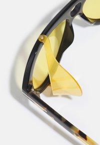 Tom Ford - UNISEX - Occhiali da sole - shiny black/brown - 5