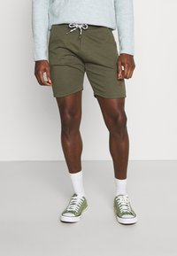 INDICODE JEANS - BRENNAN - Shorts - army - 0