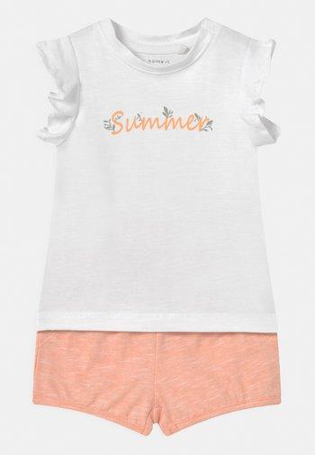 NBFHALISE NBFHANNE SET - Print T-shirt - bright white