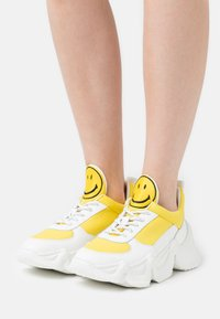 Joshua Sanders - CAPSULE SMILE DONNA  - Sneaker low - yellow - 0