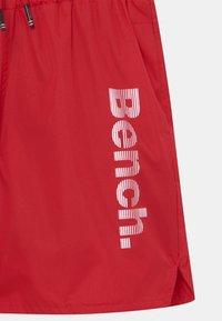 Bench - RAIL - Shorts - red - 2