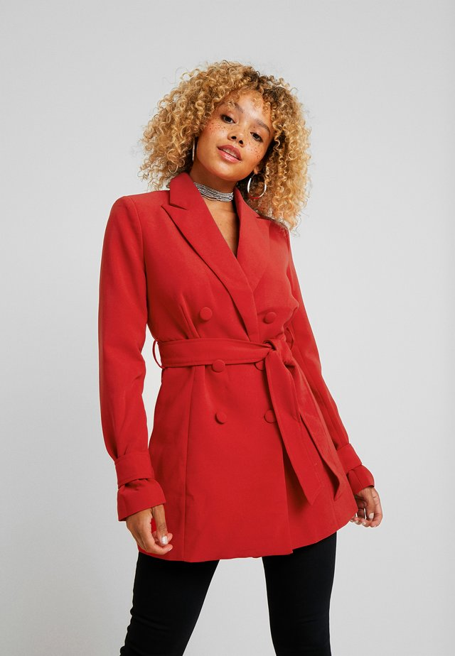 DION WITH WAIST TIE  - Short coat - red