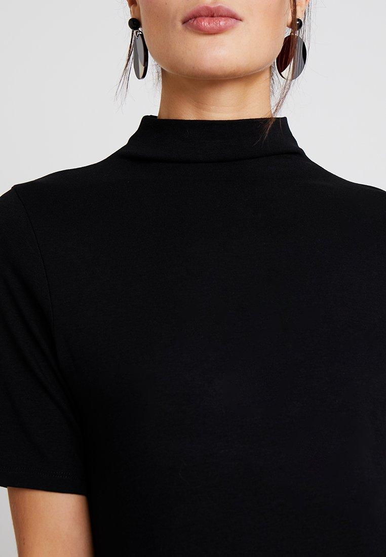 Rich & Royal Funnel Neck - T-shirts Black/svart