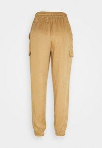 Calvin Klein - PANTS - Cargo trousers - countryside khaki - 1