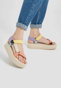 PULL&BEAR - Platform sandals - beige - 0
