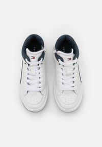 Tommy Hilfiger - Zapatillas altas - white - 3
