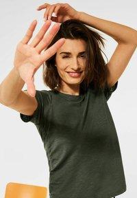 Cecil - Basic T-shirt - olive - 0