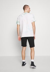 Levi's® - TAPER - Denim shorts - eight ball - 2