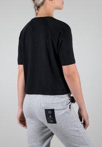 MOROTAI - Print T-shirt - black - 3
