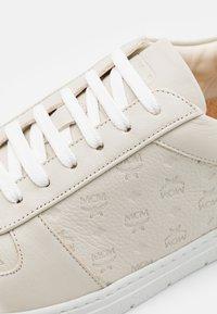 MCM - TERRAIN - Sneakers laag - grey - 5