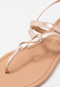 New Look - HOOPER - Flip Flops - rose gold - 5