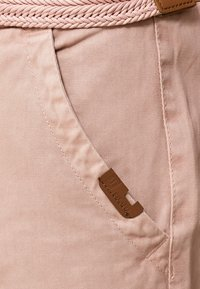 INDICODE JEANS - CASUAL FIT - Shorts - cameo rose - 4
