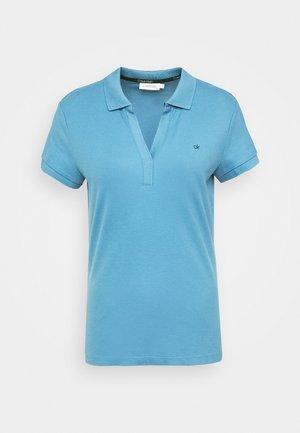 ESSENTIAL - Polo shirt - light blue