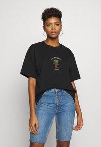 Afends - UNISEX TREE HUGGERS TEE - Print T-shirt - raven - 3