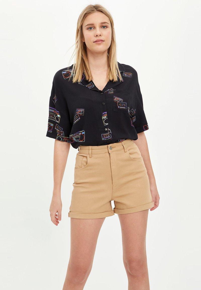DeFacto - Shorts - brown