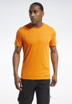 EDGEWORKS GRAPHIC T-SHIRT - Sports shirt - orange