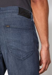 Lee - AUSTIN - Straight leg jeans - dark shark - 7