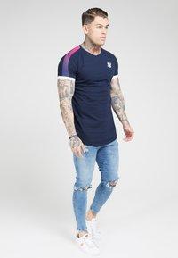 SIKSILK - Print T-shirt - dark blue - 3