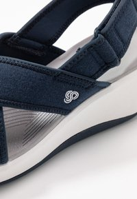 Cloudsteppers by Clarks - STEP CALI COVE - Platform sandals - navy - 2